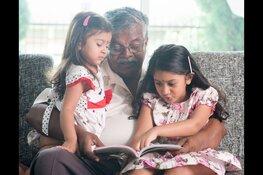 Voorlezen XL met opa en oma