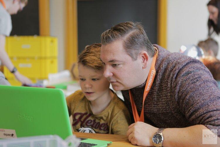 Kinderen leren programmeren in School 7