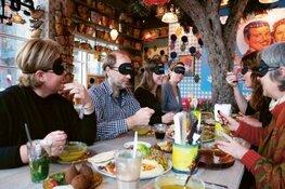 Blind lunchen voor het goede doel