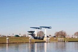 Omrijden! Burgemeester Visserbrug (N250) in Den Helder dicht voor onderhoud