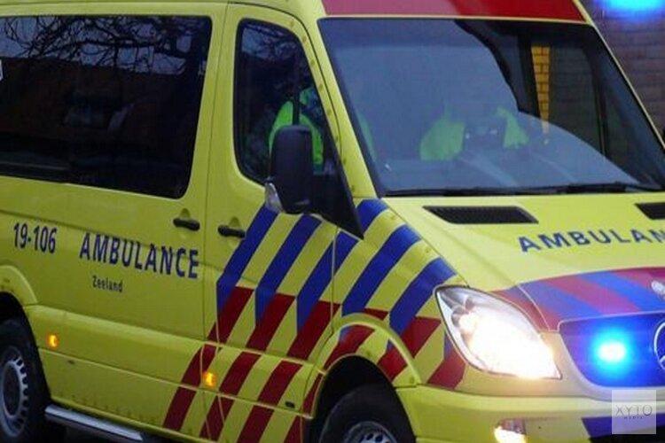 Ongeluk met drie auto's op de N250 bij Den Helder: één persoon naar het ziekenhuis