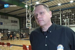 """Coach van basketbalclub Den Helder Suns over dood Kobe Bryant: """"We zijn een familielid kwijt"""""""