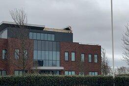 Stormschade aan dak bedrijfsverzamelgebouw Den Helder