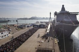 Storm Ciara rukt Zr. Ms. Karel Doorman los van kade marinehaven: slepers uren in touw