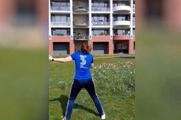 Team Sportservice doet mee aan Nationale Balkon Beweegdag van Ouderenfonds