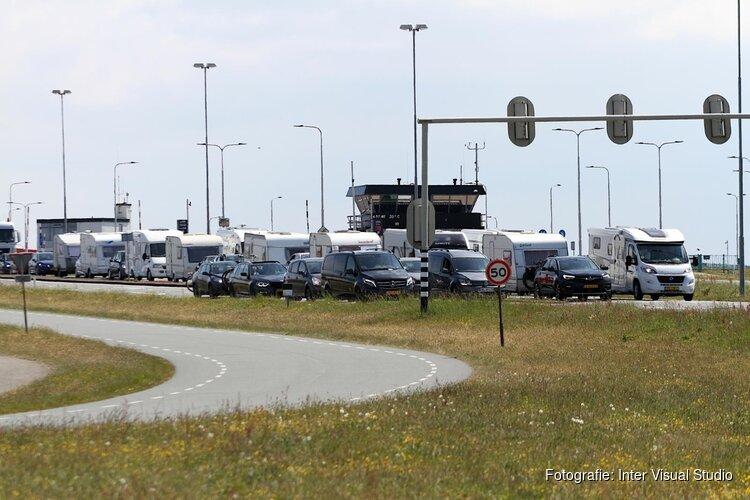 Hemelsvaart drukte bij de boot naar Texel en corona maatregelen