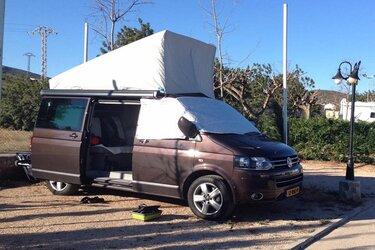 Camperbus gestolen, politie zoekt getuigen