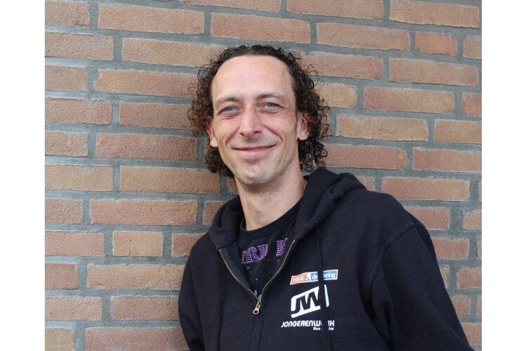 Jongerenwerker Bas Ouwens wint award