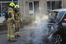 Auto in brand in Den Helder