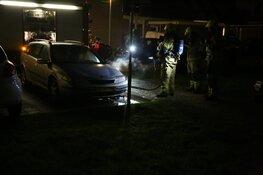 Twee flinke emmers water. Politie zoekt getuigen autobrand