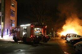 Autobrand in Den Helder. Vuurwerk mogelijke oorzaak