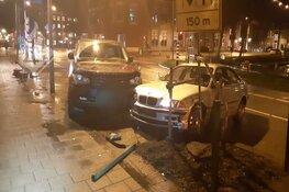 Bestuurder onder invloed ramt geparkeerde auto