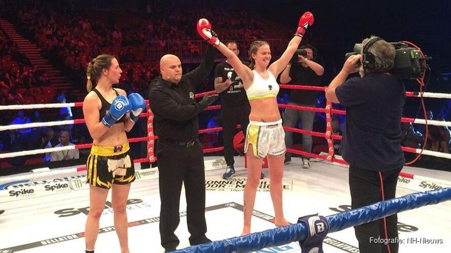 Kickbokster Jorina Baars vecht tegen een taaie tante met een hard hoofd.