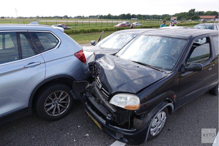 N250 afgesloten na ongeluk met 4 auto's