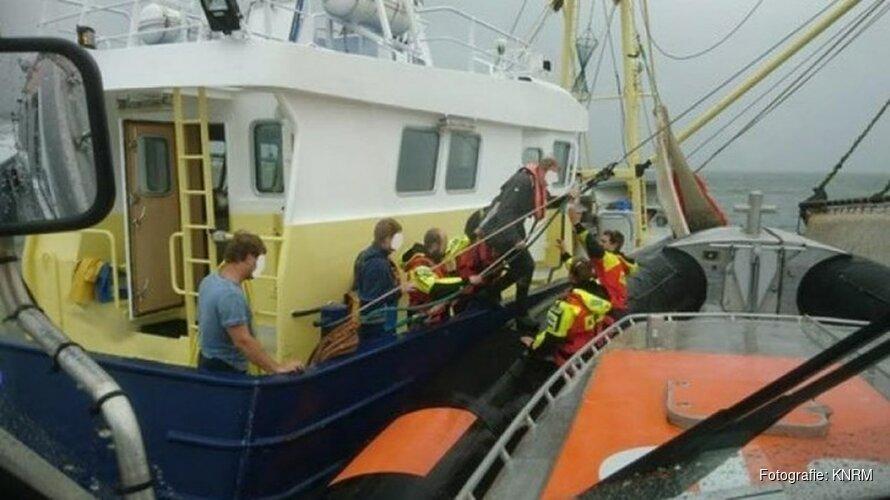 Visser ernstig gewond na ongeluk met vishaak aan boord van kotter