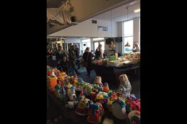 Speelgoedmarkt in buurthuis centrum