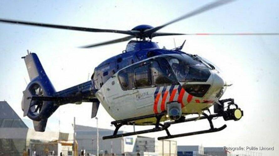 Verwarde man door politiehelikopter gevonden in duinen Den Helder