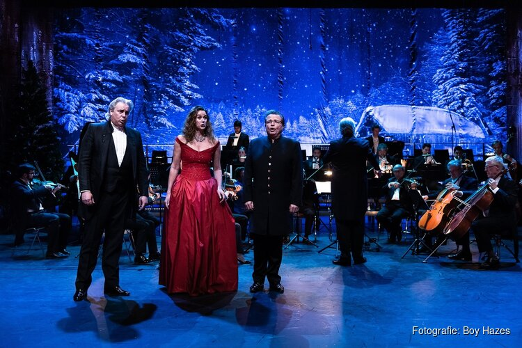 Noord-Hollandse tenor Arnold Bezuyen schittert in WIEN BLEIBT WIEN-concerten