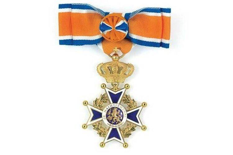 Koninklijke onderscheiding voor vier vrijwilligers buurthuis West End