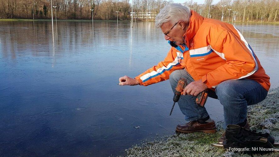 """In Den Helder kunnen ze voorlopig alleen dromen van dik ijs: """"Hopen dat het doorzet"""""""